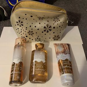 Bath and body works Snowflakes and Cashmere gift